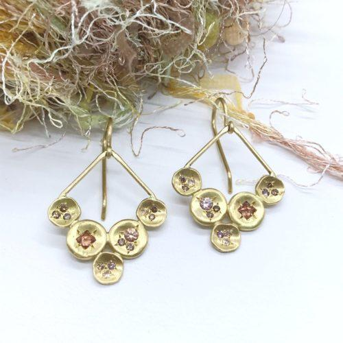 V Shape Disc Dangle Earrings