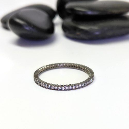 White Diamond, Blackened Gold Scalloped Band